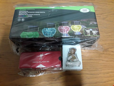 Lot 2053 BOX OF 7 ASSORTED BRAND NEW ITEMS TO INCLUDE CRYSTAL GLASS STAKE LIGHTS, WILLOW TREE KINDNESS (GIRL) FIGURE, LIVERPOOL FC CHROME BALL POINT PEN  RRP £197