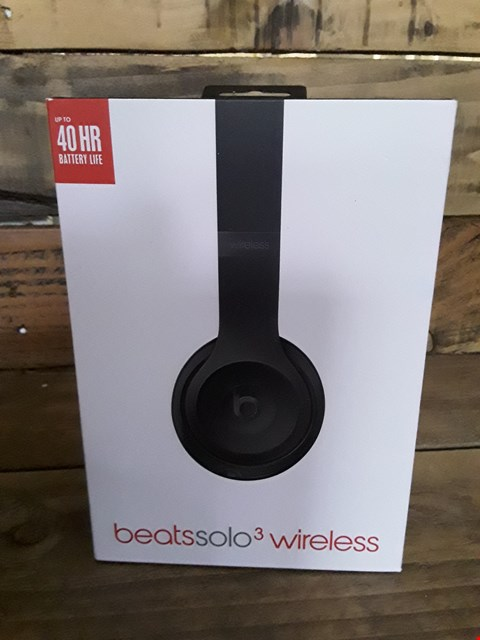 Lot 3 BEATS SOLO 3 WIRELESS HEADPHONES IN BLACK