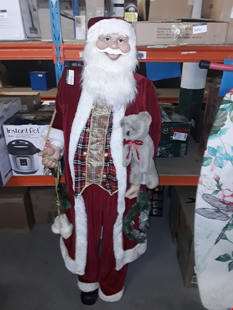 Lot 12713 WERCHRISTMAS LIFE SIZE STANDING SANTA CHRISTMAS DECORATION, 6 FOOT/180CM, RED, 180CM