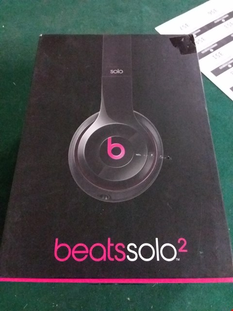 Lot 407 BOXED BEATS SOLO 2 HEADPHONES (LOT 4)