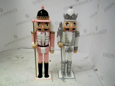 Lot 10093 SET OF 2 WOODEN NUTCRACKERS RRP £33.00