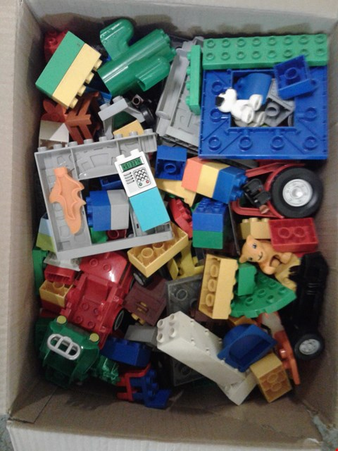 Lot 11162 BOX OF ASSORTED LEGO TO INCLUDE LEGO DUPLO