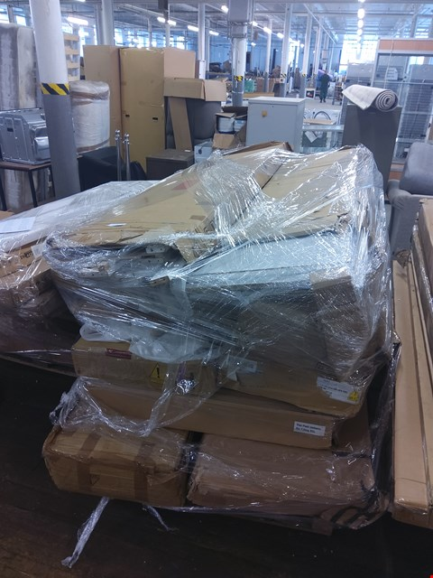 Lot 6024 PALLET OF ASSORTEE ITEMS TO INCLUDE: NEW NOVARA BUNK BED PARTS, WARDROBE PARTS ETC
