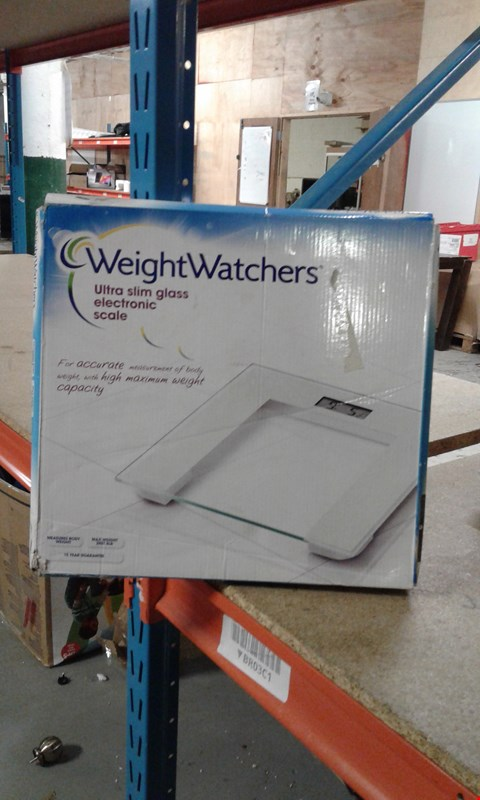 Lot 202 WEIGHTWATCHERS ULTRA SLIM GLASS ELECTRONIC SCALE