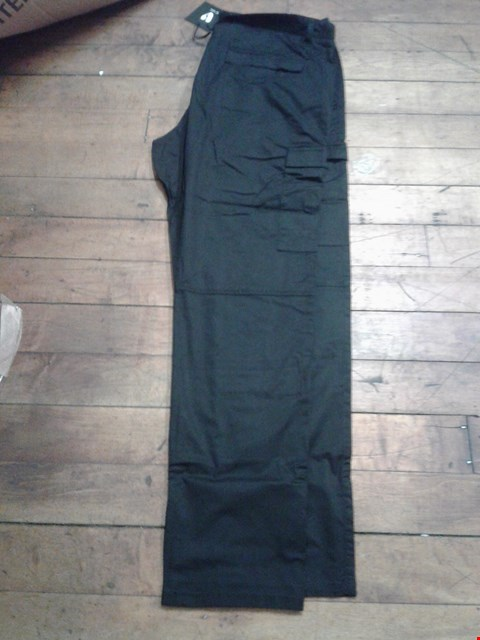 Lot 27 A BOX OF APPROXIMATELY 12 ASSORTED TROUSERS TO INCLUDE A PAIR OF BLACK TROUSERS ( WAIST 38 REGULAR )
