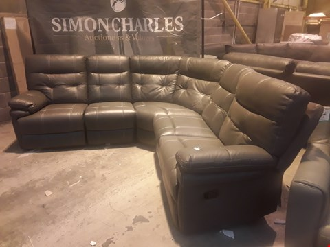 Lot 9143 DESIGNER GREY FAUX LEATHER MANUAL RECLINING CORNER GROUP WITH CONTRAST STITCHING