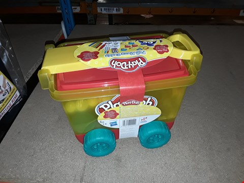 Lot 6070 3 X PLAY-DOH PLAY DOH PULL ALONG CADDY RRP £38.97