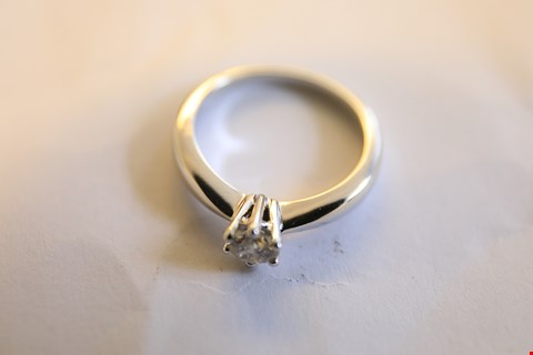 Lot 20 9ct WHITE GOLD SINGLE STONE CLAW SET DIAMOND RING 0.46ct RRP £2400