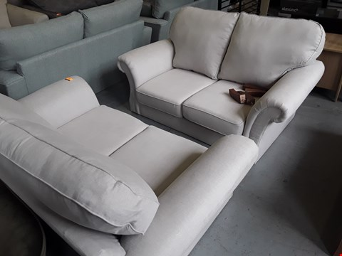 Lot 174 PAIR OF QUALITY BRITISH DESIGNER SALISBURY NATURAL FABRIC TWO SEATER SOFAS