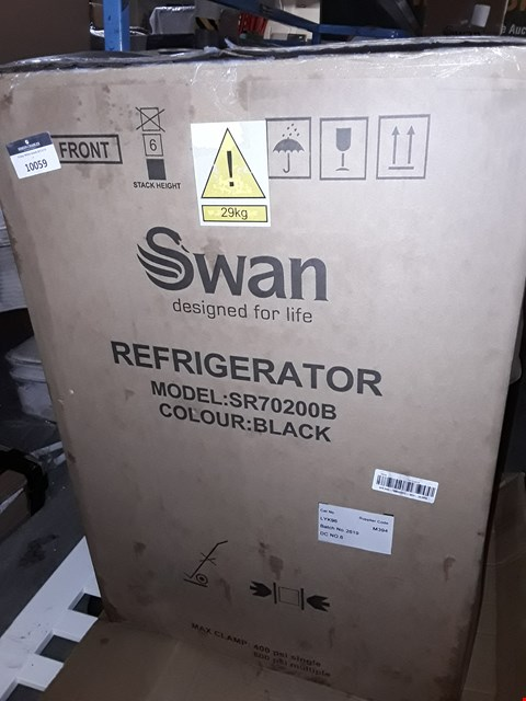Lot 10059 SWAN SR70200B BLACK UNDER COUNTER FRIDGE RRP £179.99
