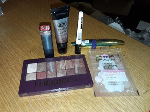 Lot 6028 MAYBELLINE NIGHT IN NEW YORK MAKE UP KIT  RRP £45.00