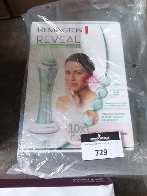 Lot 729 BOXED REMINGTON REVEAL FACIAL CLEANSING BRUSH