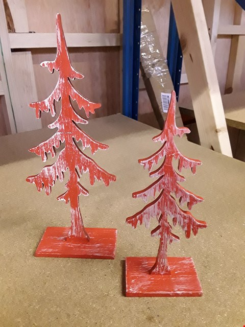 Lot 312 THREE BOXED ITEMS, INCLUDING BLOSSOM HILL TASTE SELECTION AND SET OF WOODEN TREE HANGING ORNAMENTS.   RRP £67.00
