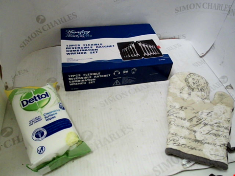 Lot 10716 2 BOXES OF A LARGE QUANTITY OF HOUSEHOLD ITEMS TO INCLUDE DETTOL WIPES ,RATCHET COMBINATION SET, OVEN GLOVE ETC