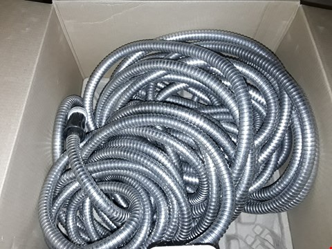 Lot 8130 BOXED SHOWER HEAD PIPING