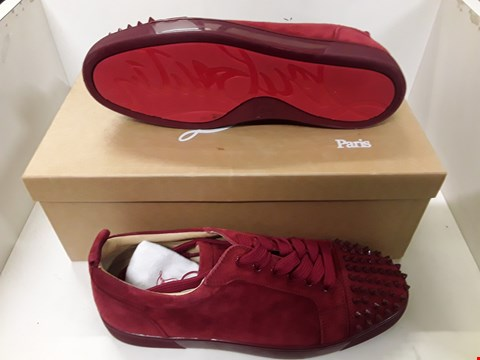 Lot 4102 PAIR OF DESIGNER RED FABRIC SPIKE DETAIL TRAINERS IN THE STYLE OF CHRISTIAN LOUBOUTIN SIZE EU 43