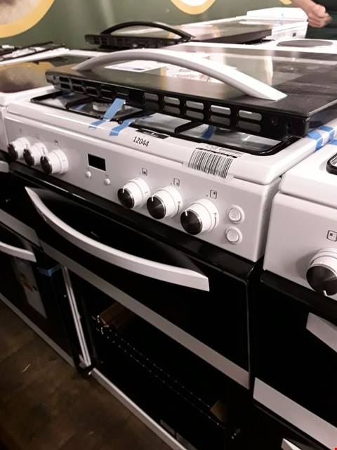 Lot 12044 SWAN DOUBLE CAVITY GAS COOKER WHITE