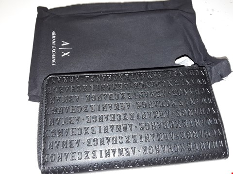 Lot 5539 BRAND NEW ARMANI EXCHANGE ZIP AROUND WALLET IN BLACK