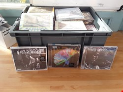 Lot 9445 BOX OF APPROXIMATELY 50 CD'S TO INCLUDE HALESTORM, MUSE, MILES DAVIS ETC