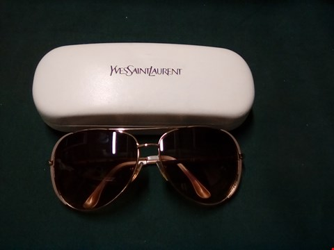 Lot 1002 SUNGLASSES IN THE STYLE OF MICHAEL KORS SICILY DESIGN IN YSL CASE