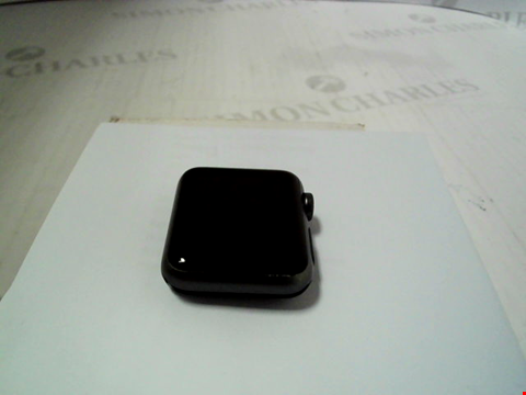 Lot 319 APPLE WATCH 7000 SERIES