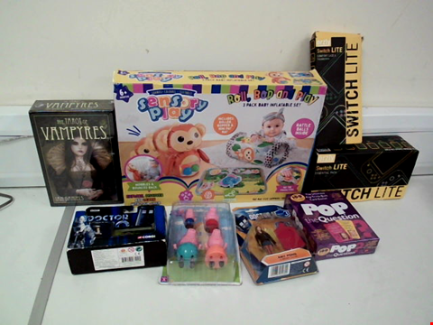 Lot 8078 LOT OF 8 TOYS TO INCLUDE THE TAROT OF VAMPYRES, SENSORY PLAY ROLL, BOP AND PLAY 3 PACK BABY INFLATABLE SET AND ORZLY SWITCH LITE ESSENTIAL PACK