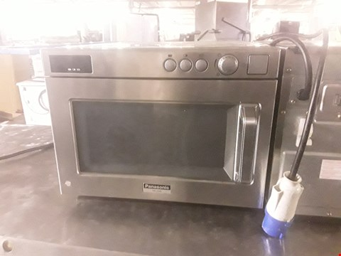Lot 96 PANASONIC COMMERCIAL MICROWAVE