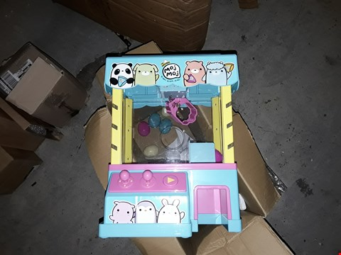 Lot 2523 CLAW MACHINE PLAYSET  RRP £57.00