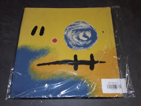 Lot 8145 BRAND NEW 45X45CM  SUCCESSIO JOANMIRO ABSTRACT CUSHION COVER