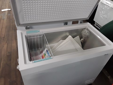 Lot 12033 SWAN SR4170W 192 LITRE WHITE CHEST FREEZER  RRP £239.00