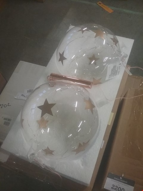 Lot 2268 LOT OF TWO SETS OF 2 STAR BAUBLES