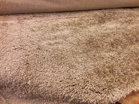 Lot 3082 DESIGNER FLAIR VELVET NATURAL RUG 160 × 230