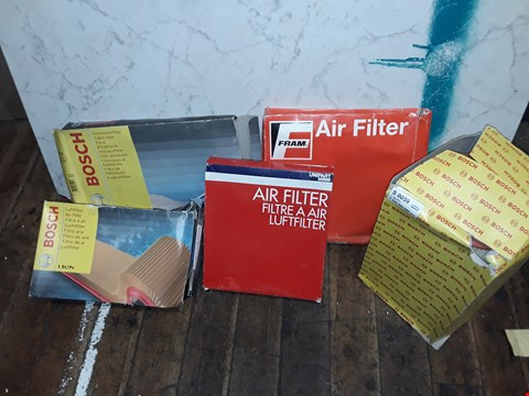 Lot 336 BOX OF ASSORTED CAR PARTS TO INCLUDE BOSCH AIR FILTER, UNIPART AIR FILTERS, FRAM AIR FILTERS