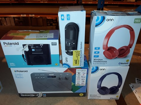 Lot 2089 LOT OF 5 ASSORTED TECH ITEMS TO INCLUDE DAB+ RADIO AND WIRELESS HEADPHONES