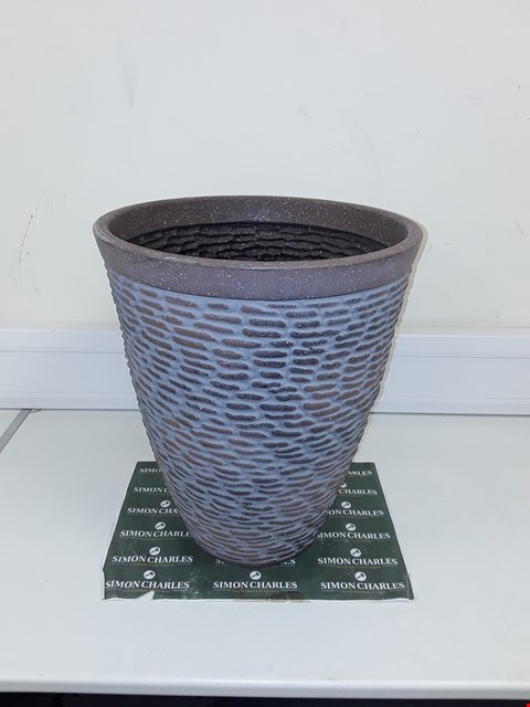 Lot 9283 BOXED PREMIUM STONE EFFECT PLANTER RRP £26.00
