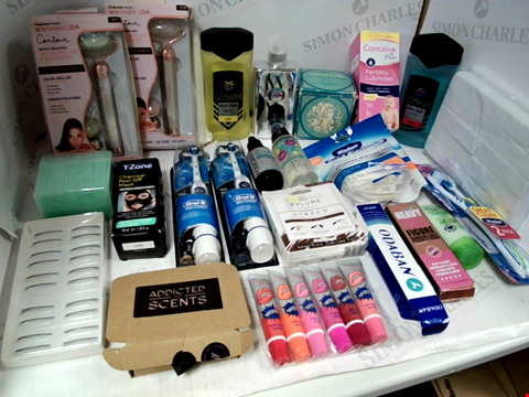 Lot 11053 LOT OF ASSORTED HEALTH & BEAUTY PRODUCTS TO INCLUDE: FACIAL ROLLER & MASSAGER, LYNX BODY, HAIR & FACE WASH, ORAL-B PRO EXPERT ELECTRIC TOOTHBRUSHES, ASSORTED BATHROOM & MAKEUP PRODUCTS