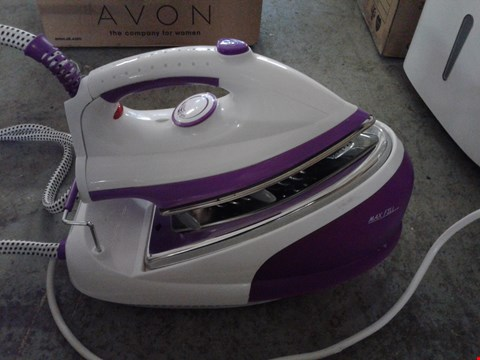 Lot 2308 LOT OF 2 KITCHEN APPLIANCE ITEMS TO INCLUDE A SWAN STEAM GENERATOR IRON SI5043 AND A SWAN SF11041 5.5 LITRE SLOW COOKER  RRP £170