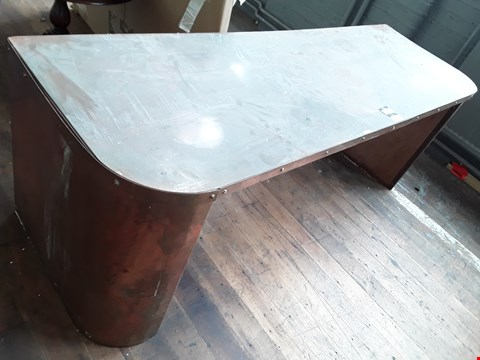 Lot 11016 LARGE WORK BENCH WITH A METAL TOP & ROUNDED CORNER ENDINGS  AT THE FRONT SIDE (APPROX 202 X 66CM)