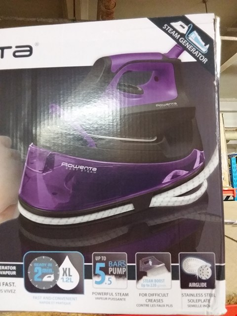 Lot 13865 ROWENTA EASY STEAM IRON