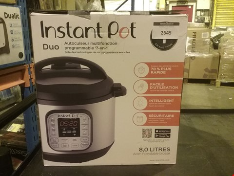 Lot 2645 INSTANT POT DUO 7 IN 1 PRESSURE COOKER