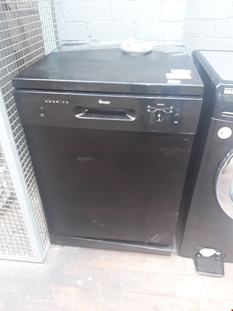 Lot 2057 SWAN SDW7080B BLACK FULL SIZE FREESTANDING DISHWASHER RRP £209.99