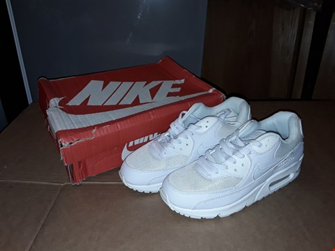 Lot 18 BOXED NIKE AIR MAX 90 LTR PREMIUM WHITE/WHITE/WHITE SIZE 8UK/42EUR