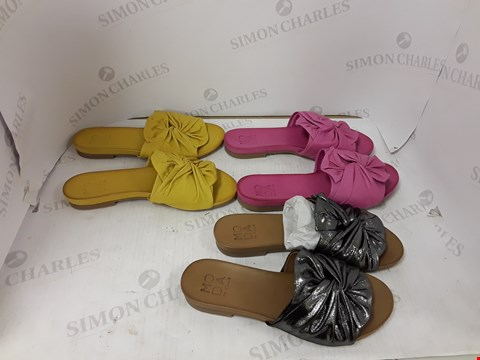Lot 897 LOT OF APPROXIMATELY 5 ASSORTED MODA IN PELLE SHOES
