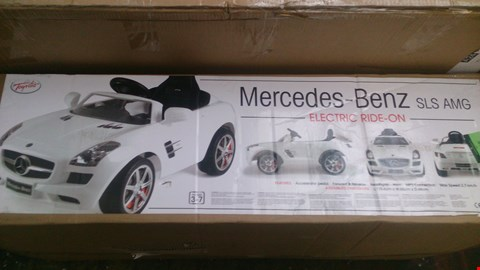 Lot 285 BOXED MERCEDES BENZ SLS AMG ELECTRIC RIDE ON