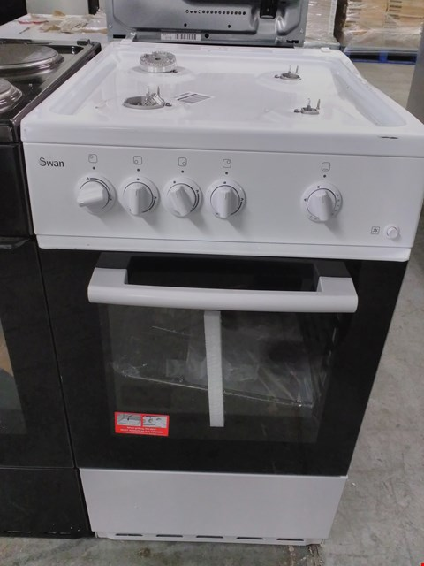 Lot 40 SWAN SX1031W WHITE 50CM SINGLE OVEN GAS COOKER  RRP £419