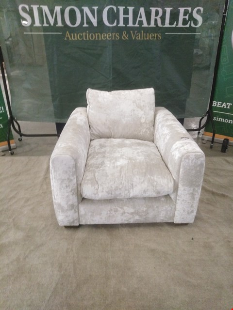 Lot 6 QUALITY BRITISH MADE DESIGNER SILVER CRUSHED VELVET EFFECT ARM CHAIR