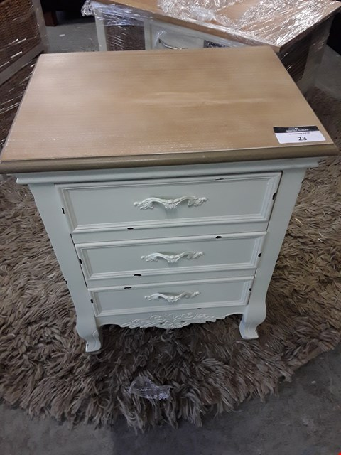 Lot 23 DESIGNER PAINTED WOOD AND OAK DISTRESSED EFFECT 3 DRAWER BEDSIDE TABLE