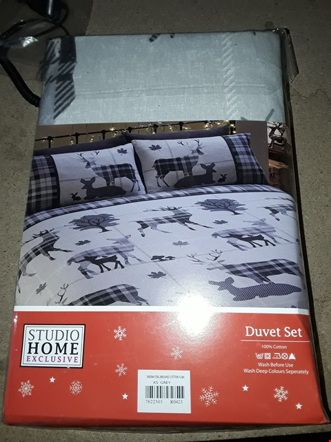 Lot 879 BOX OF 3 STUDIO HOME EXCLUSIVE TARTAN STAG 100% COTTON DUVET SETS