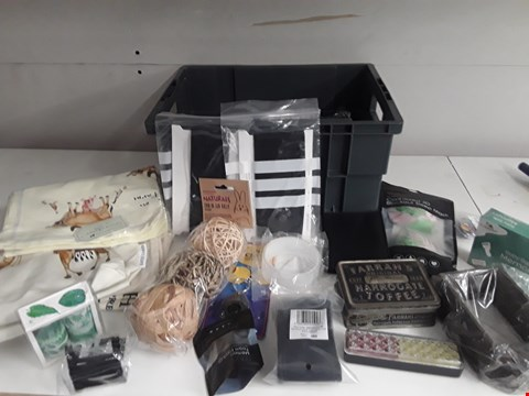 Lot 178 BOX OF APPROXIMATELY 40 ASSORTED ITEMS TO INCLUDE TINS, SLEEP MASK, WASH BAG ETC