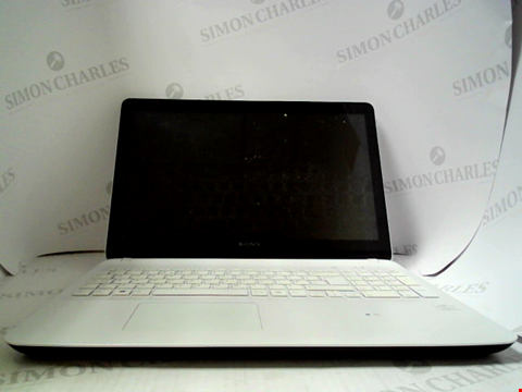 Lot 696 SONY VAIO SVF152C29M LAPTOP